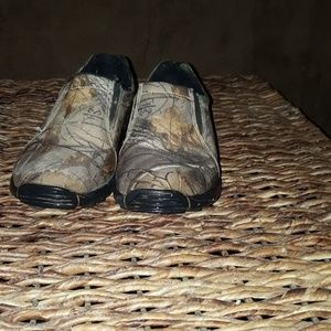 Other - *SOLD* Boys camo slip ons